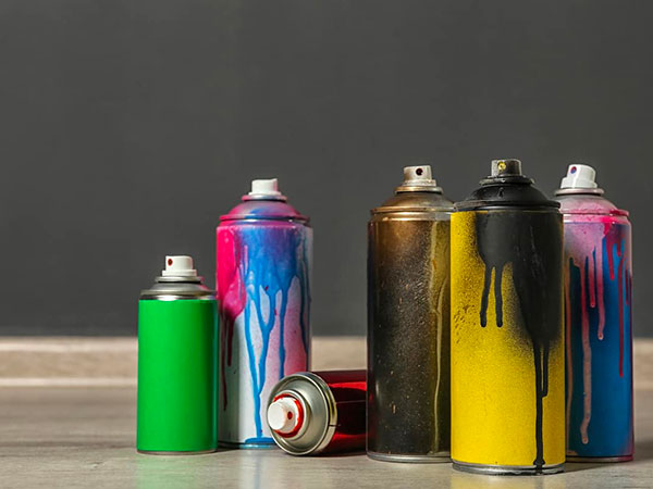 Negozio-fondi-spray-per-metallo-bologna