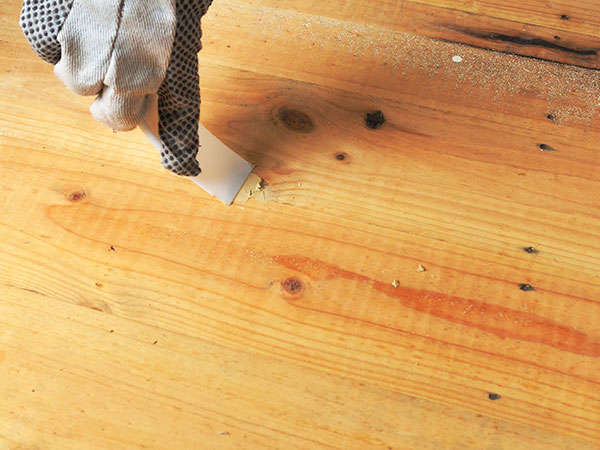 Stucco-professionale-per-legno-noce-scuro-anzola